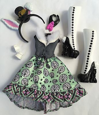 Ever After/Monster High Royal Bunny Blanc Dress~boots Outfit