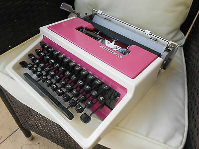 Vintage retro Pink Underwood 310 typewriter And Case
