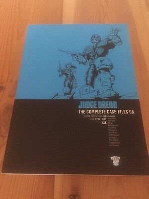 2000AD ft JUDGE DREDD: THE COMPLETE CASE FILES 08 - GRAPHIC NOVEL -