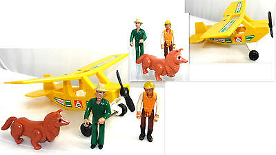 Vintage Fisher Price Adventure Peoples Figures And Accessories Lot   Fp5