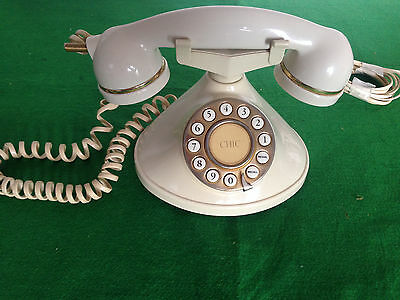 VINTAGE RETRO 1970s STYLE (MYBELLE CHIC )373 CORDED TELEPHONE HOME PHONE