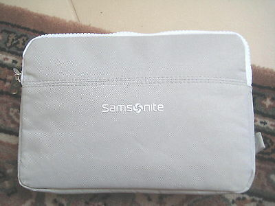 Lufthansa Business Class Amenity Kit - Samsonite  hellgrau / weiß   !! NEU !!