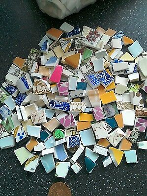 "Selection of small pcs broken china mixed colours/ patterns  ~ ""minies""  100pcs"