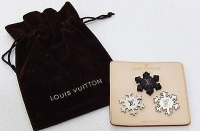 "3 Pin's ""Flocon de neige"", Louis Vuitton"