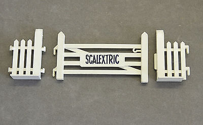 Vintage 1960s SCALEXTRIC A226 Gate Unit - 1:32 Scale Scenery