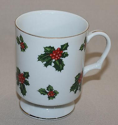 Lefton Holly Footed Mug Christmas Pedestal Coffee Cup Hand Painted Red Berries