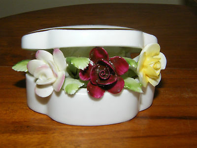 Royal Doulton Porcelain Floral Posy in Shaped 'Clam Box'   *With Label*