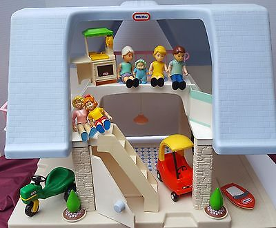 Little Tikes Dollhouse Doll House Figure Mom Dad Girl Baby Kitchen Car Boat