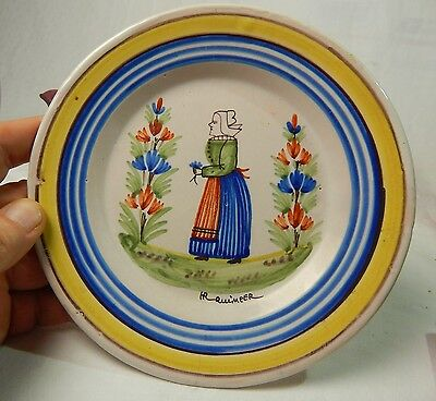 Quimper HENRIOT Luncheon Plate woman front signed GREAT CONDITION