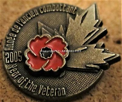 VETERANS POPPY 2005 Royal Canadian Legion WE WILL REMEMBER Pin on Card