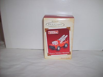NIP 2005 Hallmark Keepsake Tonka Mighty Wrecker-Die Cast