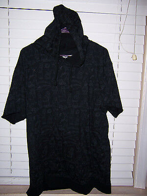 Futurama Short Sleeve Shirt Hoodie Adult Size 2XL Loot Crate Exclusive