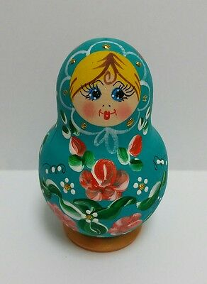 Matryoshka Doll – 5 pieces. Wooden Russian Nesting Dolls. Made in Russia.