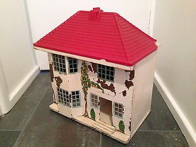 Vintage Dolls House And Accessories(Triang type metal fronted)