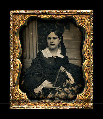 1/6 1850s Dag of Beautiful Woman Holding Book - Painted Backdrop