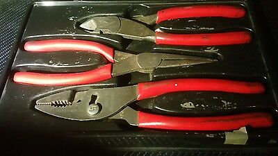 Snap On 3 Piece Plier Set Lineman's, Long Nose & Side Cutters PLR300 - Red.