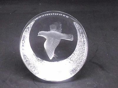 Lovely Peace Dove Paperweight  By Mats Jonasson Signed And Labelled