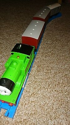 Tomy Trackmaster Thomas & friends train MOTORISED OLIVER, CARRIAGES & TOAD