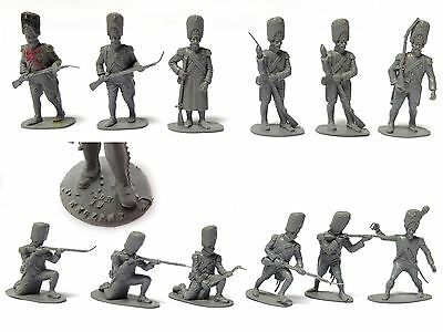 12 AIRFIX 1/32 WATERLOO FRENCH IMPERIAL GUARD TOY SOLDIERS STAMPED ENGLAND 1970s