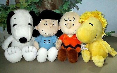 KoHLs CaRes PEANUTS GANG LUCY CHaRLiE BRoWN SNooPy WooDSToCK PLuSH LoT