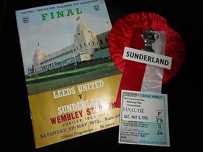 1973 F A CUP FINAL (PACKAGE) : LEEDS UNITED  v  SUNDERLAND ~ PROG TICKET ROSETTE