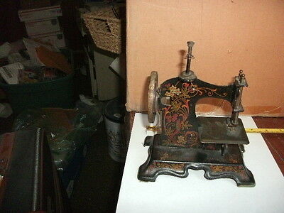 Singer Mini Sewing Machine made in Germany year 1909 model no. 157845 works!!!