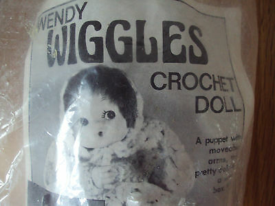 FIBRE CRAFT WENDY WIGGLES Crochet Doll Kit Includes Voice Box Vintage RARE!