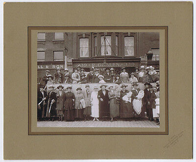 LONDON Ladies & Charabanc at Albany Road Camberwell - Vintage Photograph c1920s