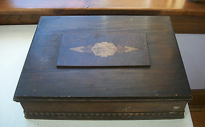 Folk Art Wooden Box with Inlaid on the Cover