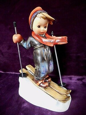Goebel Hummel Figurine Skier #59 Tmk 6 Metal Poles Mint Condition With Box