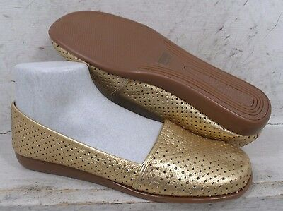 NEW Michelle D Womens Remmy Gold Leather Slip On Flats Loafers Shoes size 9 M