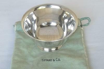 A SUPERB SOLID STERLING SILVER TIFFANY & Co BOWL WITH CLOTH POUCH ALSO STAMPED.