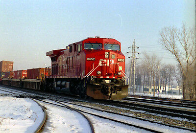 CP 8652  RS Action      Col. Orig. Neg.