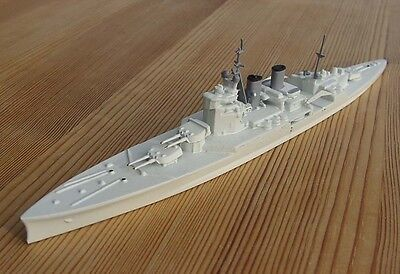 1/1250 battlecruiser RENOWN tropical livery royal navy WW2 vintage model Wiking