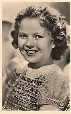 SHIRLEY TEMPLE 1930s Ross Verlag Photo Postcard