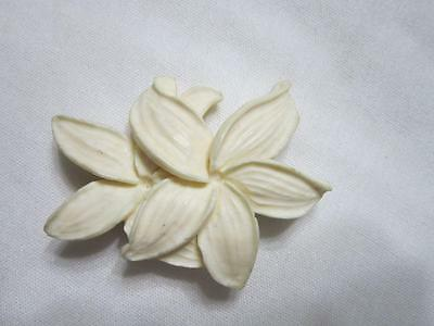 Vintage Hawaiian Carved Double Flower  Pin