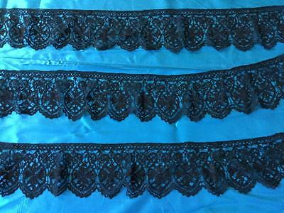 LENGTH OF BEAUTIFUL ANTIQUE LACE MALTESE ???   452 cms by 12 cms
