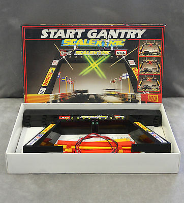 SCALEXTRIC C209 Start Light Gantry - Boxed & Complete, Tested & Working