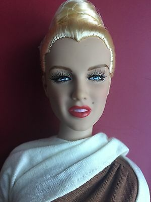 """Tonner Tyler Antoinette 16"""" Marilyn Monroe In A Dream Fashion Doll No Box/Stand"""