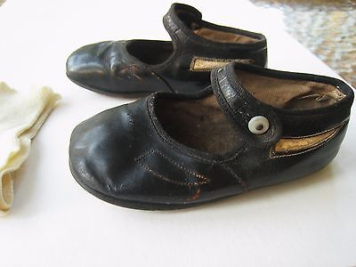 Antique Vintage Child Toddler Black Mary Jane Shoes Pearl Button + Pair Socks