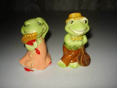 Pair Of Frog Francine And Fernando Salt And Pepper Shakers