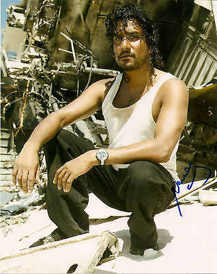 Lost Naveen Andrews Signed Autographed 8x10 Photo COA
