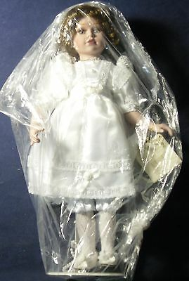 "Show Stoppers - Florence Maranuk 17"" Doll in White Dress - Gorgeous"