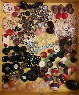 Vintage Mixed Lot Buttons **All Kinds!!**