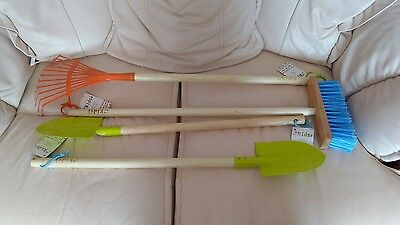 Briers Kids Spades X2 , briers kids leaf rake,  briers kids brush bnwt
