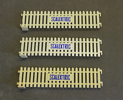 Vintage SCALEXTRIC/ SHELL  A225 Paddock Paling/ Picket Fences (Cream Colour) x3