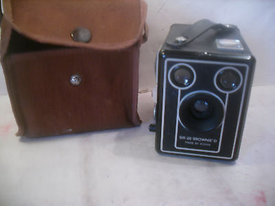 Vintage Kodak six-20 Brownie D Box Camera with case