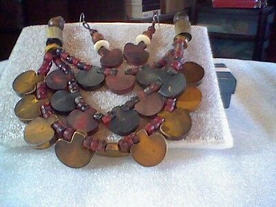 Vintage Wooden Bib Necklace And Earrings (Pierced-Wire)