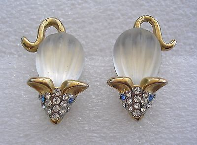 Cute vintage 1960's earrings - Mice set with opaque glass - clip ons