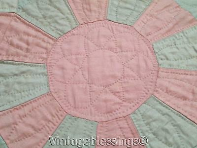 Very FINE Vintage 30s QUILT Sun Sateen in Pastels Never Used Provenance